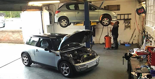 Henlow Motor Services garage workshop - Servicing, Tyres, Repairs, Henlow